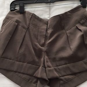 Express shorts size 2 army green